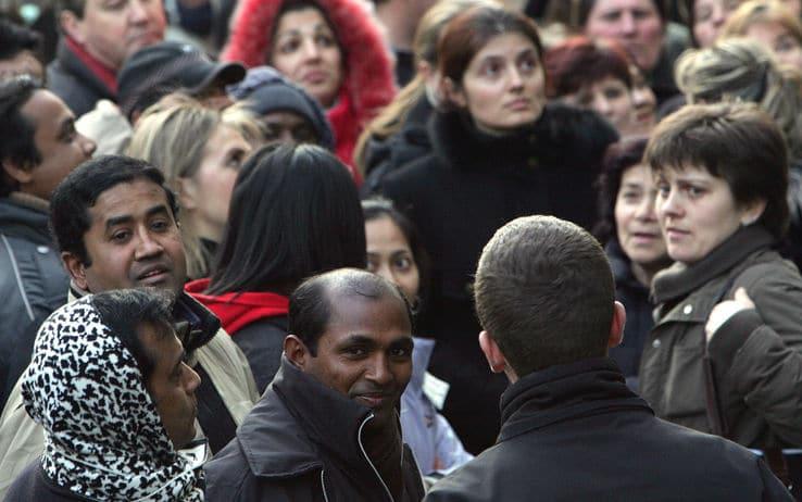 Cittadini stranieri: è illegittimo subordinare l\'assistenza al ...