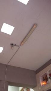 Le infiltrazione d'acqua al soffitto del cimero