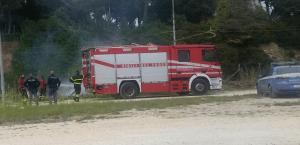 I Vigili del Fuoco intervenuti a spegnere l'incendio (foto D.Taruffi ILU)