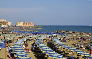 2013_08_29_2)spiaggiadianzioil22agosto2013_rsz_crp_crp