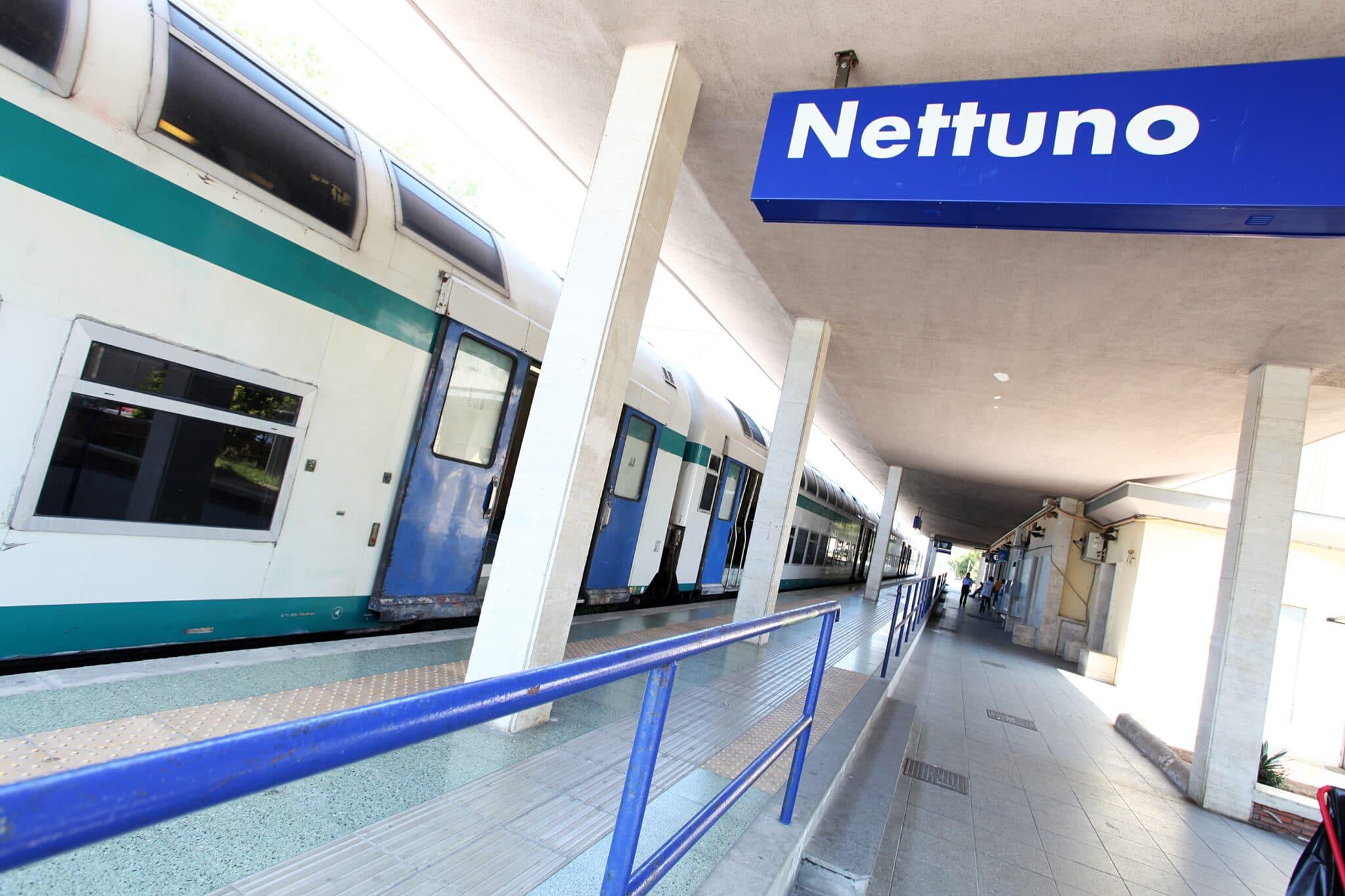 Sale Blu Ferrovie : Stazione napoli centrale ecco la sala blu per disabili e anziani