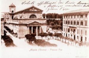 Anzio antica, Piazza Pia