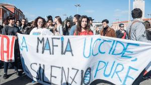corteo antimafia latina